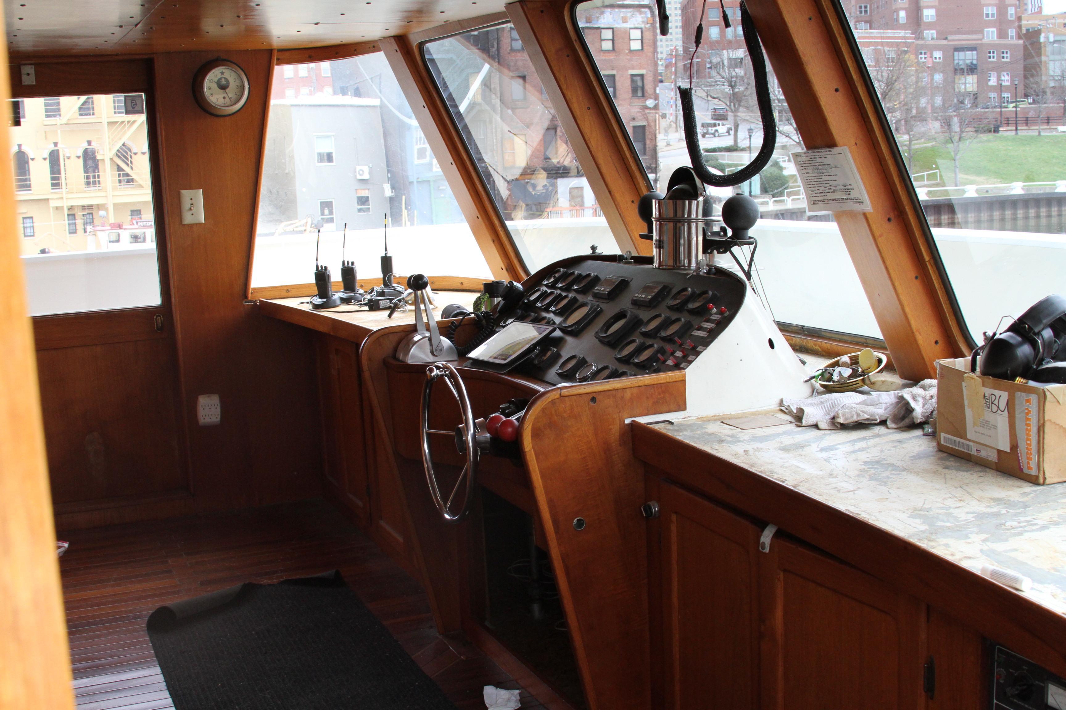 O 5841 HG Knot 10 Yacht Sales