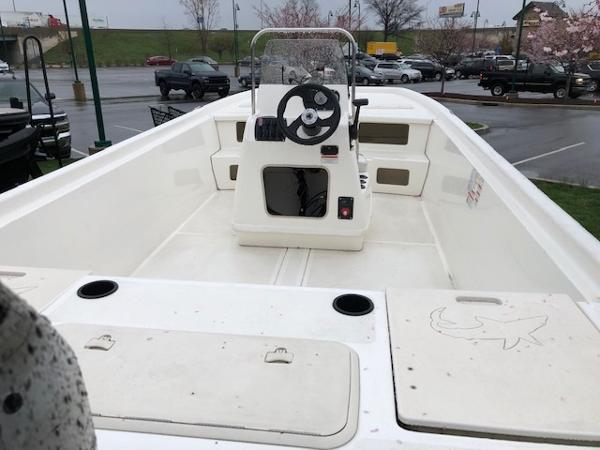 2017 Mako boat for sale, model of the boat is Pro Skiff 21 CC & Image # 8 of 9