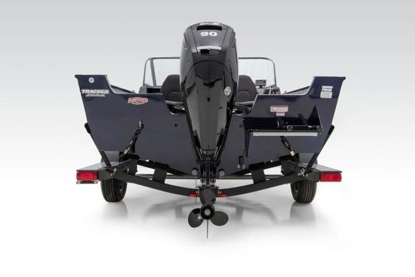 2022 Tracker Boats boat for sale, model of the boat is Pro Guide™ V-175 Combo & Image # 11 of 37
