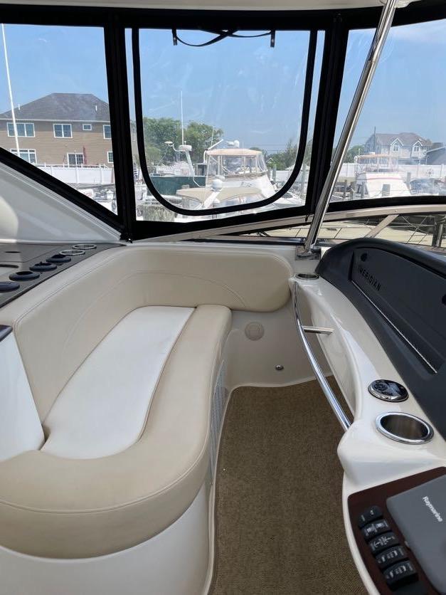NY 6184 KM Knot 10 Yacht Sales