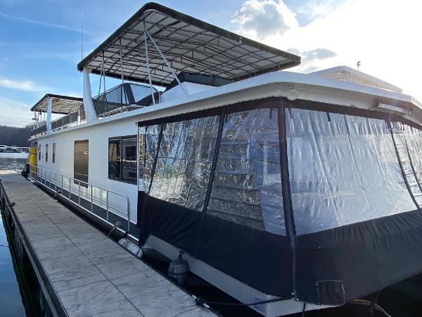 1991 Stardust Cruisers Houseboat 18 X 75