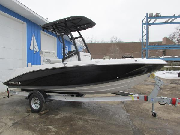 2021 Yamaha boat for sale, model of the boat is 195 FSH SPORT & Image # 2 of 35
