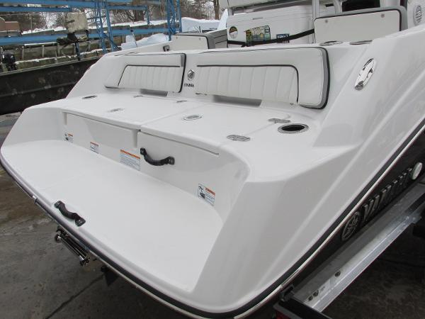 2021 Yamaha boat for sale, model of the boat is 195 FSH SPORT & Image # 3 of 35