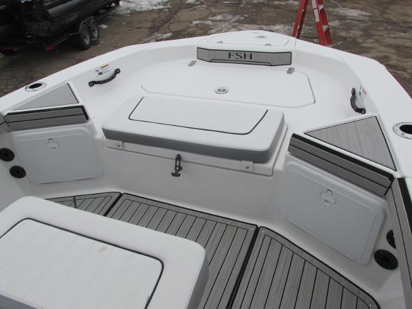 2021 Yamaha boat for sale, model of the boat is 195 FSH SPORT & Image # 10 of 35