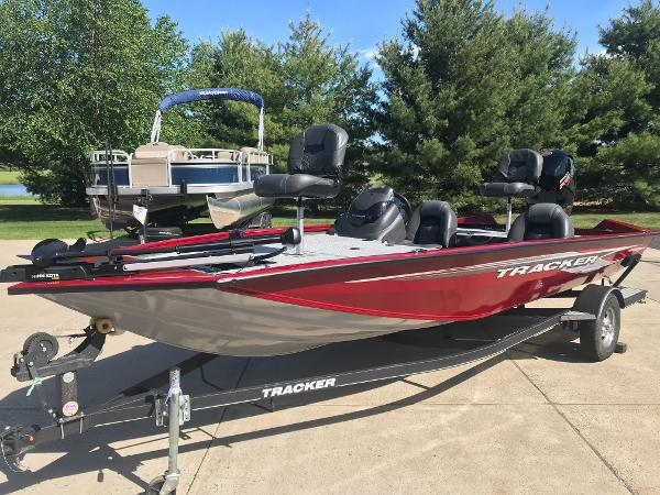 2020 Tracker Boats boat for sale, model of the boat is Pro Team 195 TXW & Image # 1 of 53