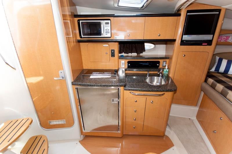 MA 6106 RF Knot 10 Yacht Sales