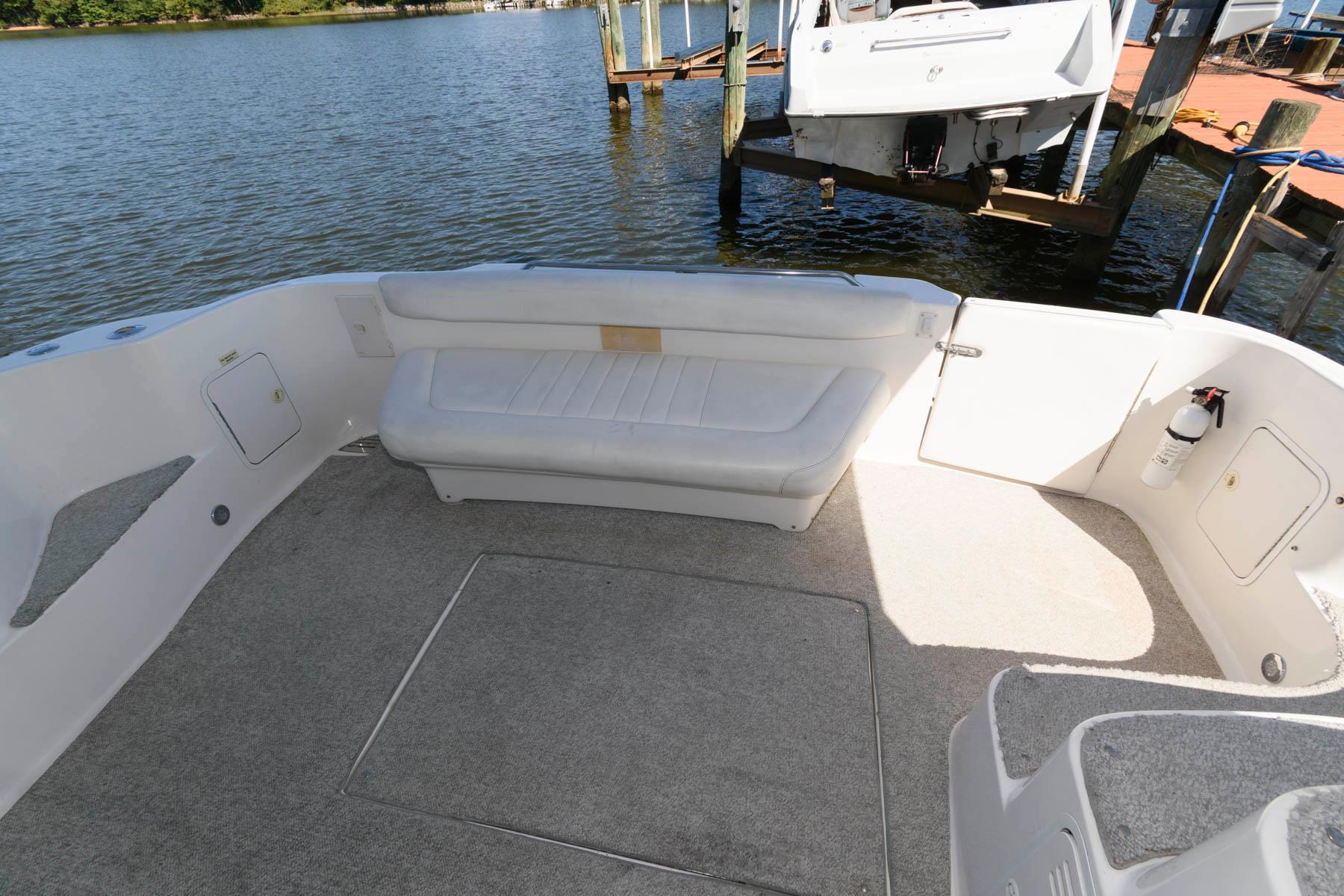 M 6560 EF Knot 10 Yacht Sales