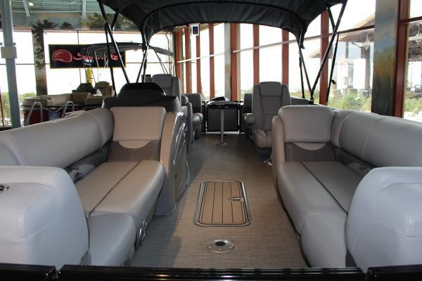2020 Regency boat for sale, model of the boat is 230 DL3 & Image # 3 of 10