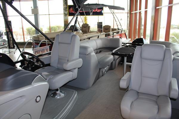 2020 Regency boat for sale, model of the boat is 230 DL3 & Image # 4 of 10