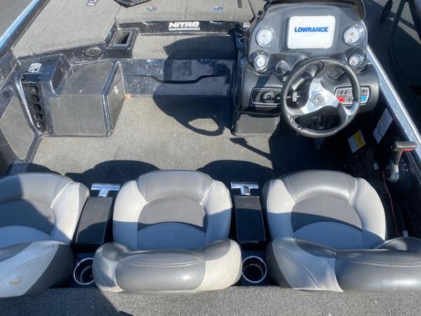 2015 Nitro boat for sale, model of the boat is Z-9 & Image # 8 of 14