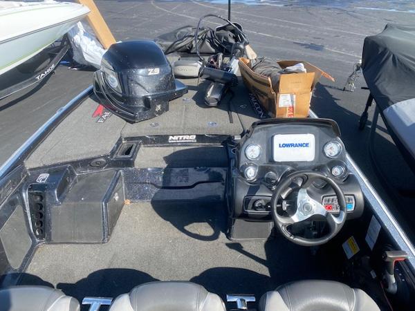 2015 Nitro boat for sale, model of the boat is Z-9 & Image # 9 of 14