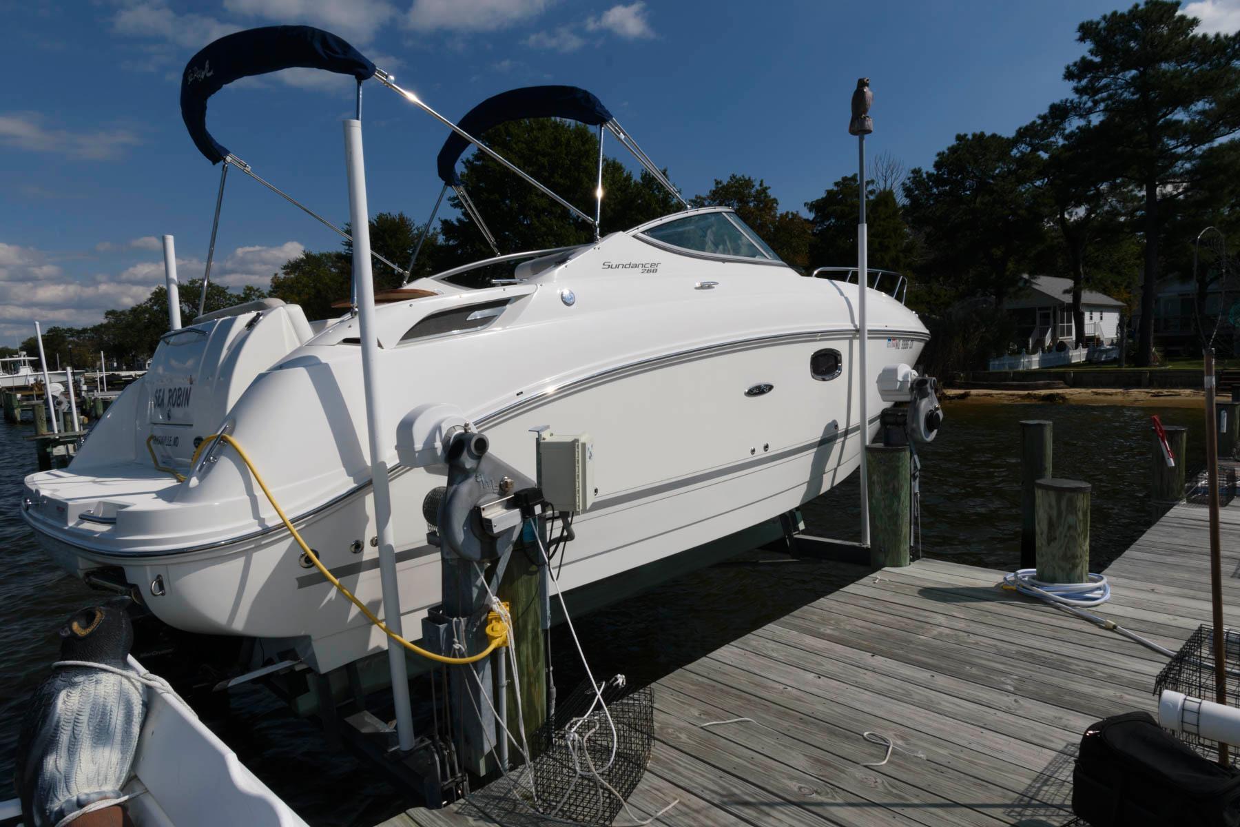 M 6559 JP Knot 10 Yacht Sales