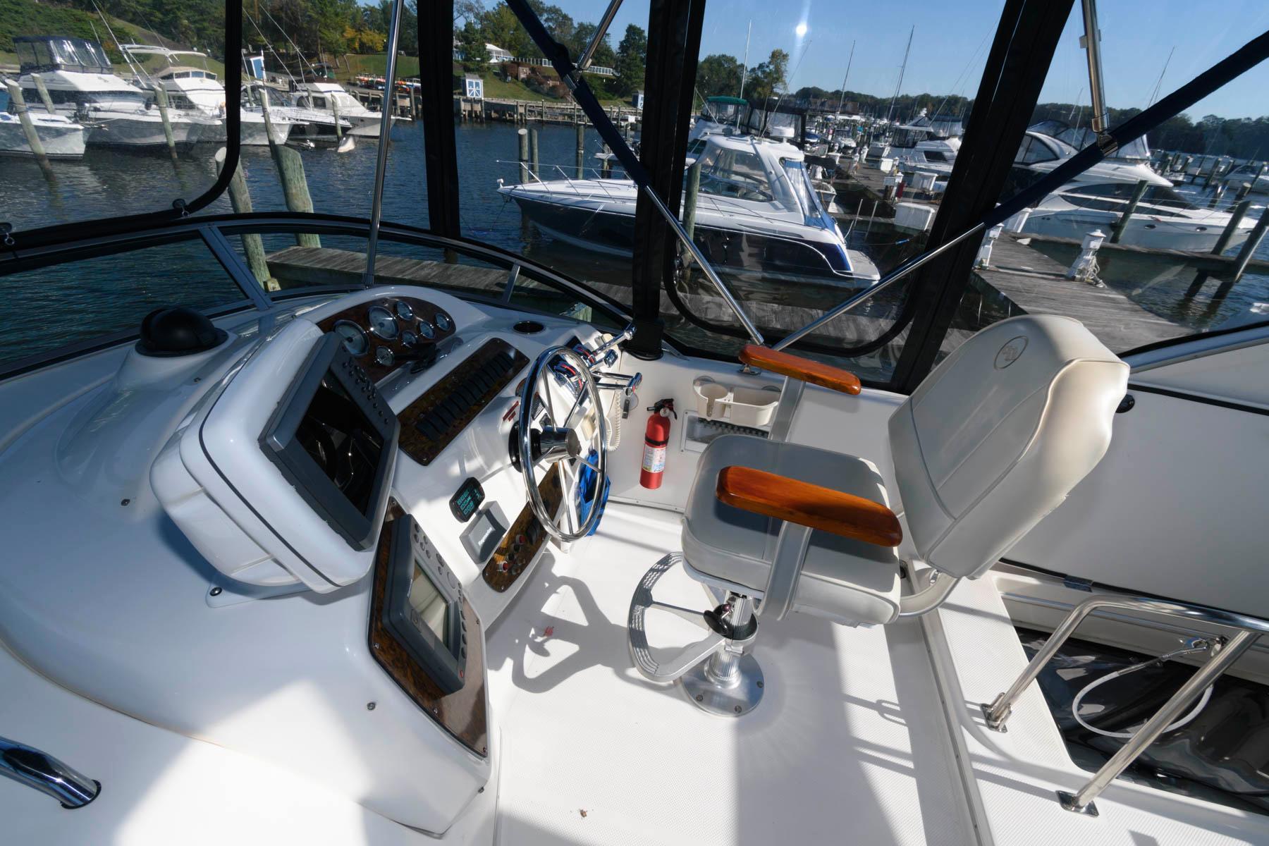 M 5772 KB Knot 10 Yacht Sales