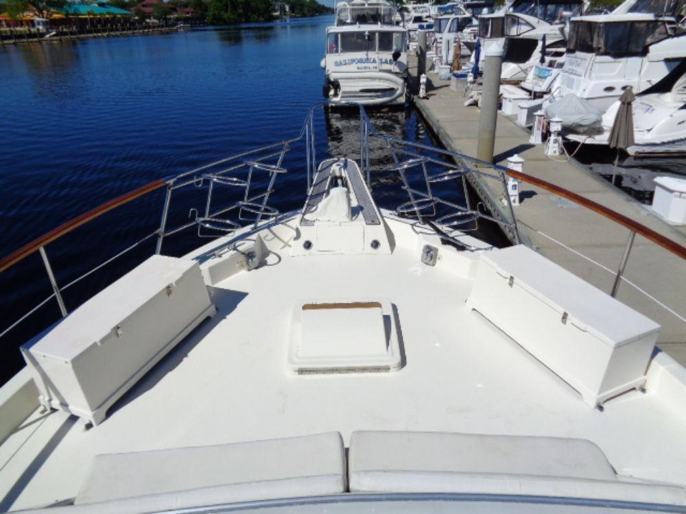 Hatteras 61 Motor Yacht - Forward Deck