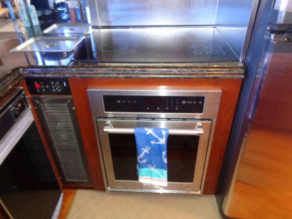 Hatteras 61 Motor Yacht - Oven, replaced 3 19