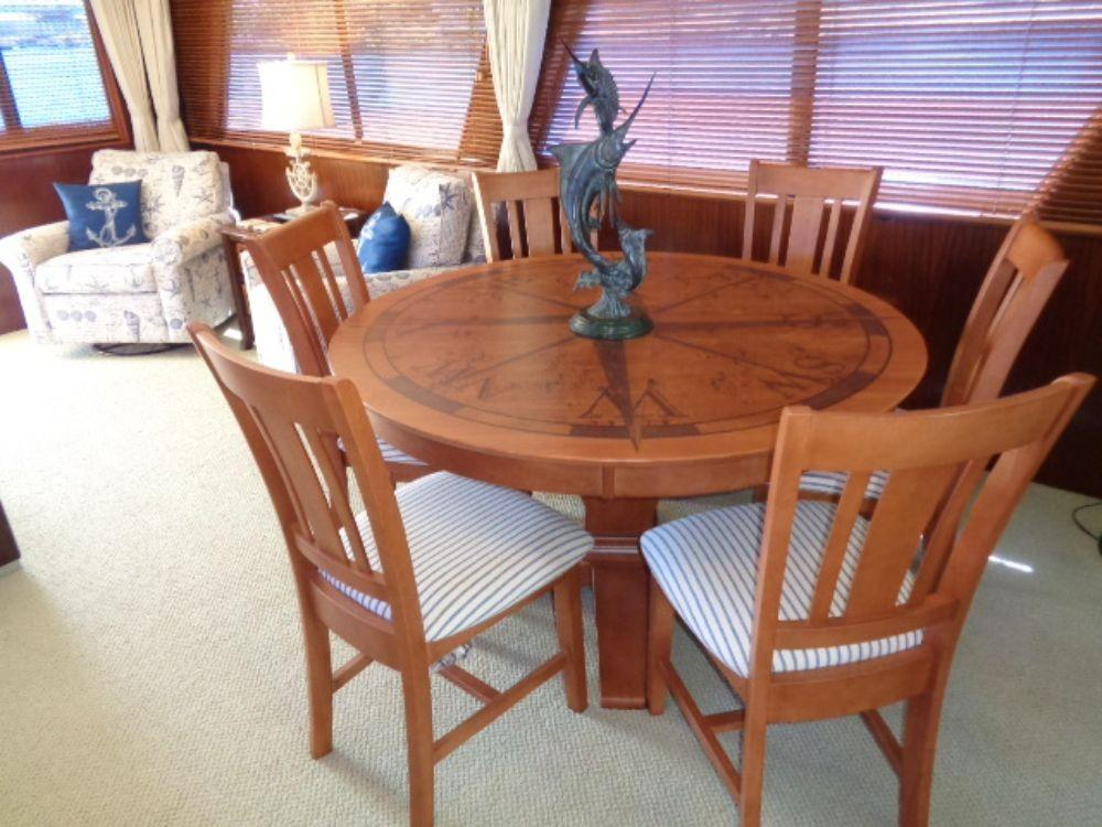 Hatteras 61 Motor Yacht - Dining/poker Room Table