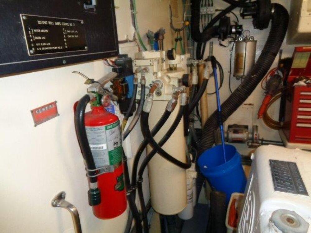 Hatteras 61 Motor Yacht - Starboard Engine Room Stablizers