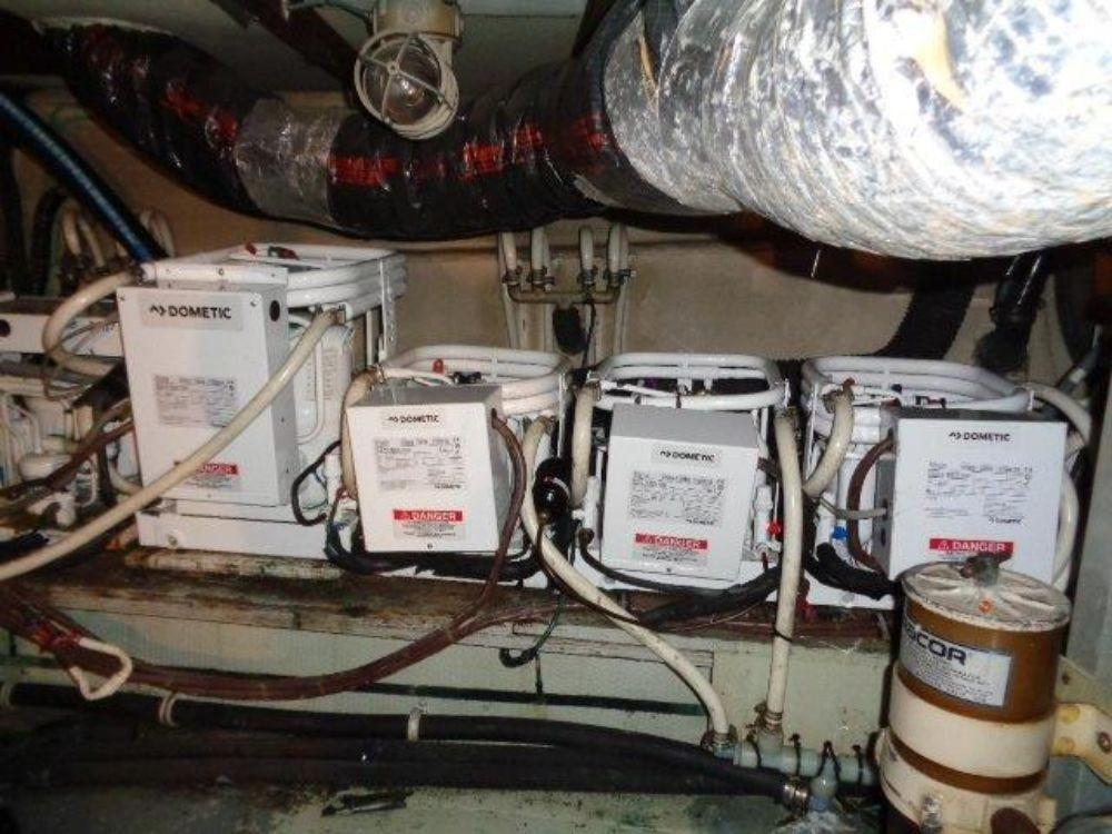 Hatteras 61 Motor Yacht - Dometic Heat/AC Units