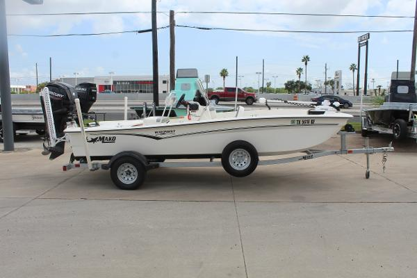 2021 Mako boat for sale, model of the boat is 17 Pro Skiff & Image # 4 of 10