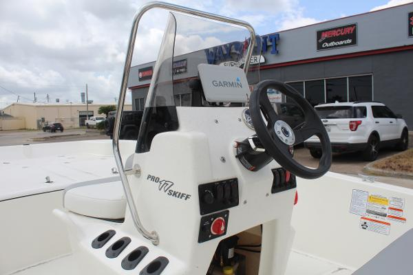 2021 Mako boat for sale, model of the boat is 17 Pro Skiff & Image # 8 of 10