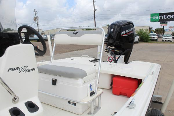 2021 Mako boat for sale, model of the boat is 17 Pro Skiff & Image # 10 of 10