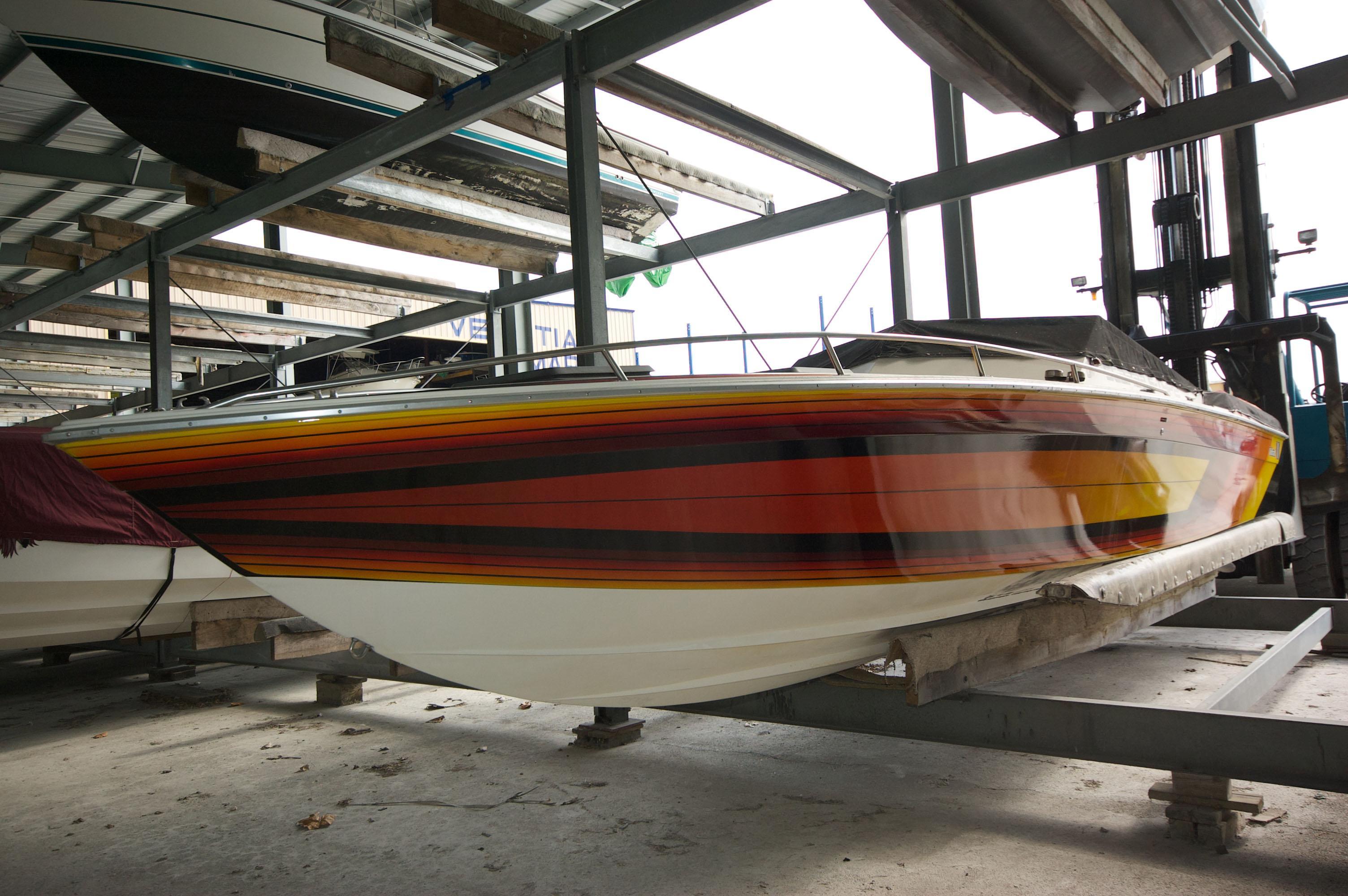 O 6073 HG Knot 10 Yacht Sales