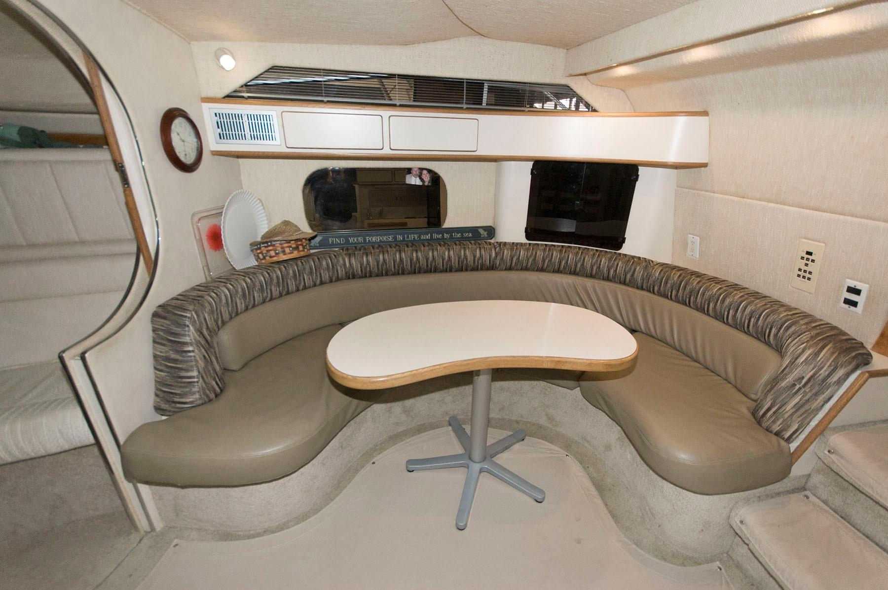 M 6227 TW Knot 10 Yacht Sales