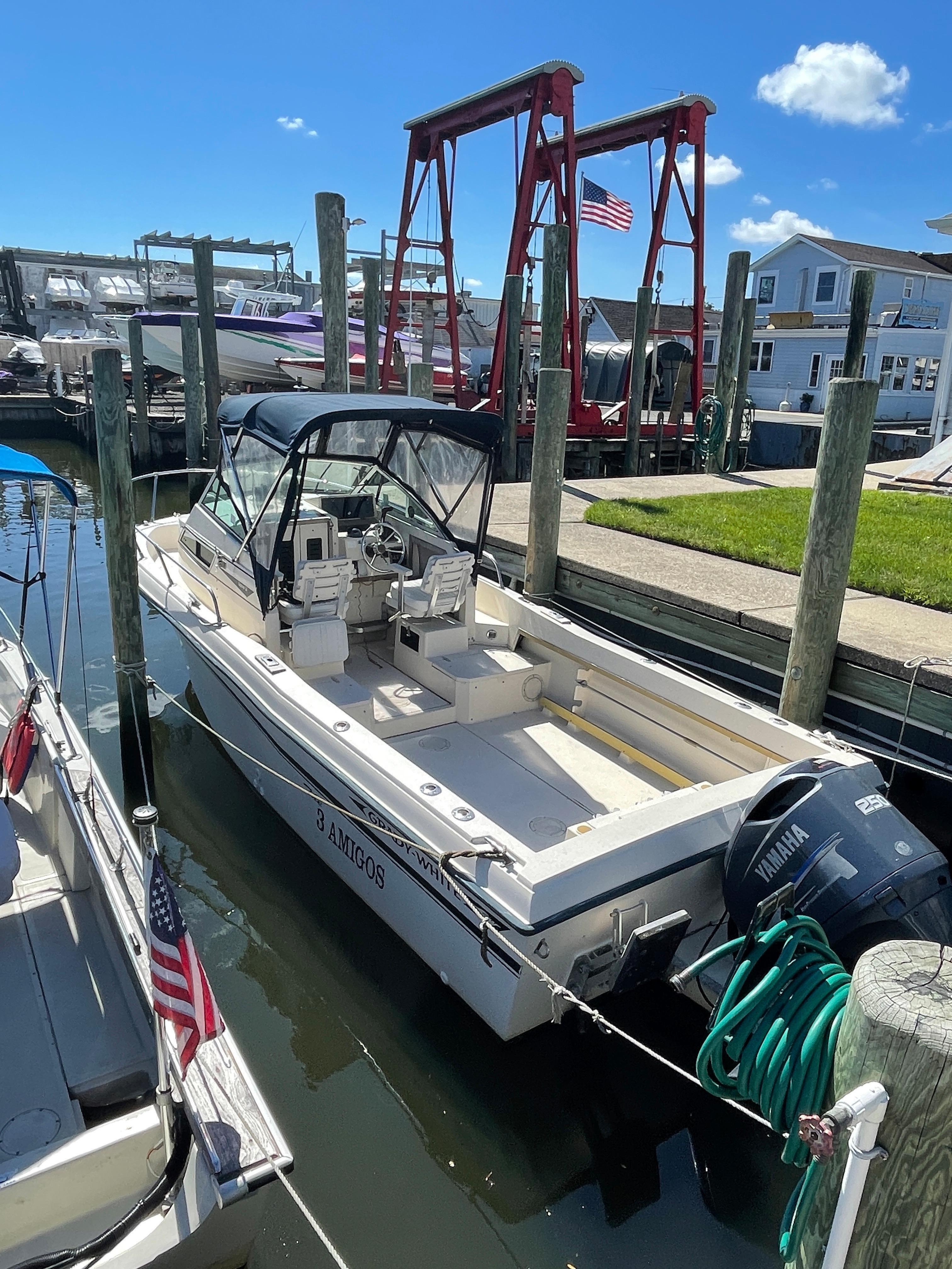 NY 6527 KM Knot 10 Yacht Sales
