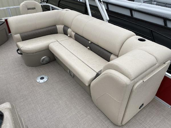 2021 Sun Tracker boat for sale, model of the boat is FB 20 DLX - NWW & Image # 8 of 10