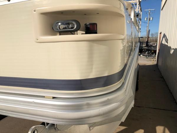 2003 Bennington boat for sale, model of the boat is 2575 RSF & Image # 29 of 29