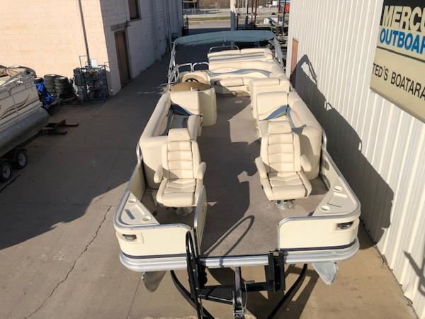 2003 Bennington boat for sale, model of the boat is 2575 RSF & Image # 17 of 29