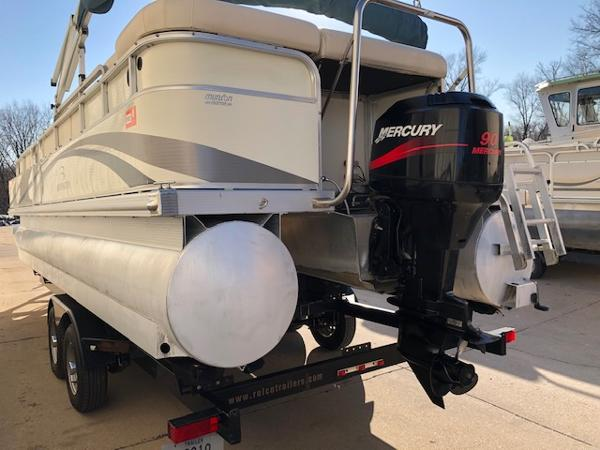 2003 Bennington boat for sale, model of the boat is 2575 RSF & Image # 18 of 29