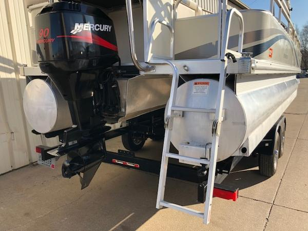 2003 Bennington boat for sale, model of the boat is 2575 RSF & Image # 21 of 29