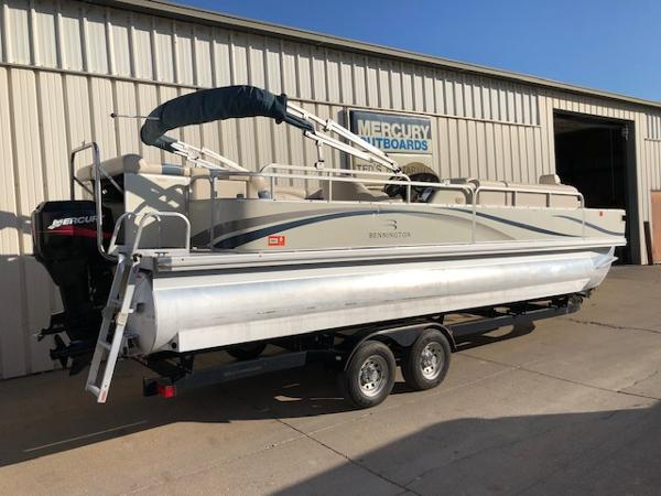 2003 Bennington boat for sale, model of the boat is 2575 RSF & Image # 3 of 29