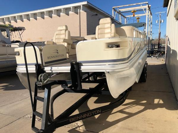 2003 Bennington boat for sale, model of the boat is 2575 RSF & Image # 26 of 29
