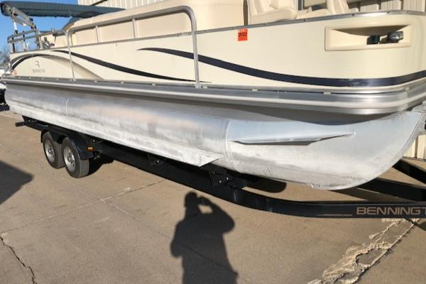 2003 Bennington boat for sale, model of the boat is 2575 RSF & Image # 5 of 29