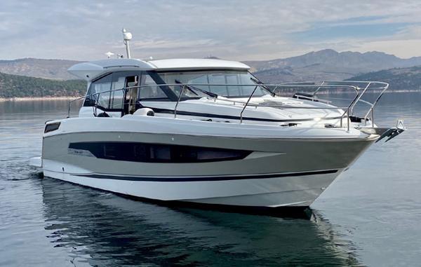 2020 JEANNEAU NC 37 Yacht