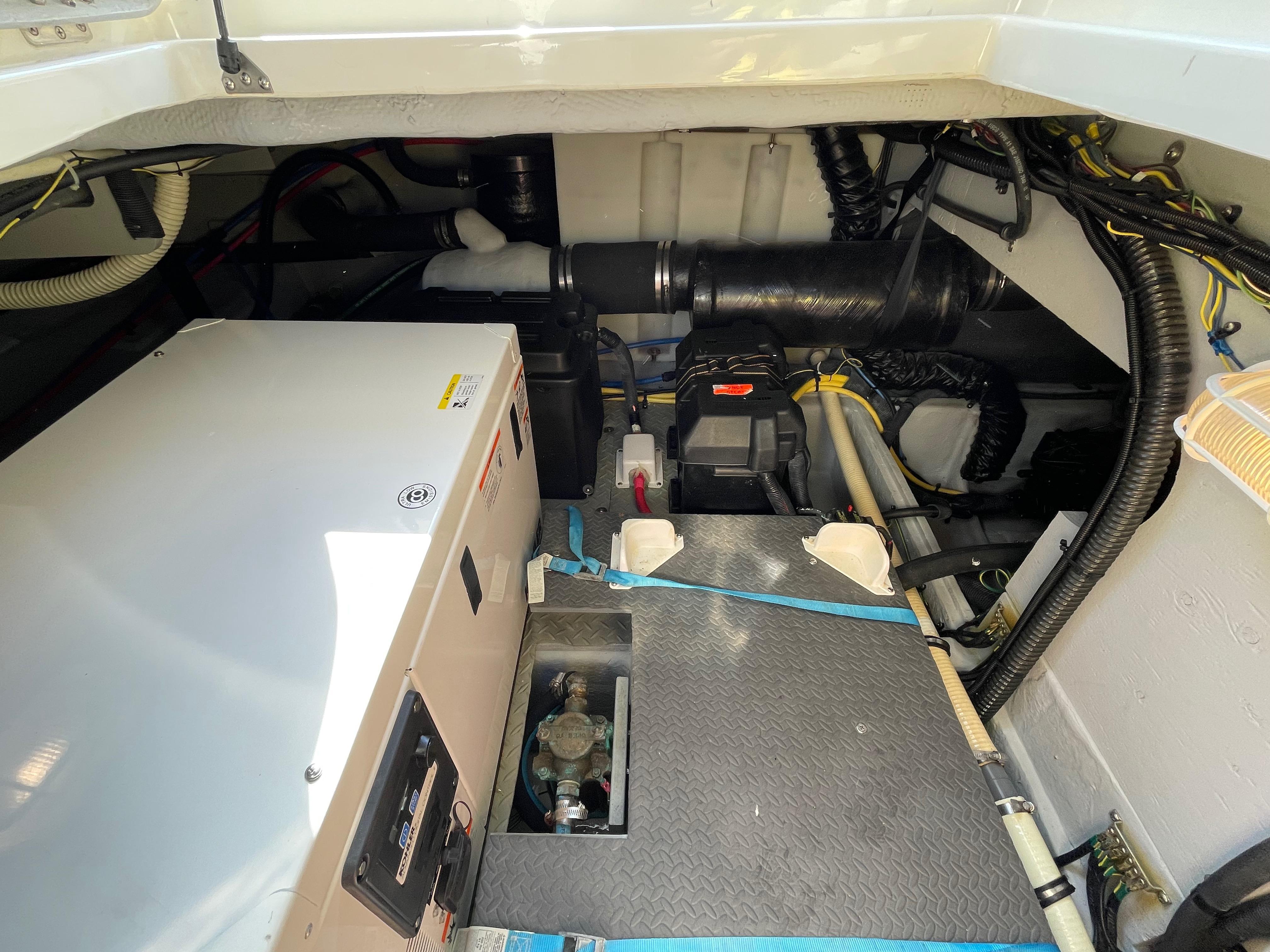 NY 6144 LK Knot 10 Yacht Sales