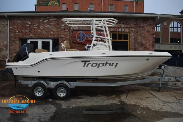 2021 Bayliner boat for sale, model of the boat is T22CX & Image # 3 of 15
