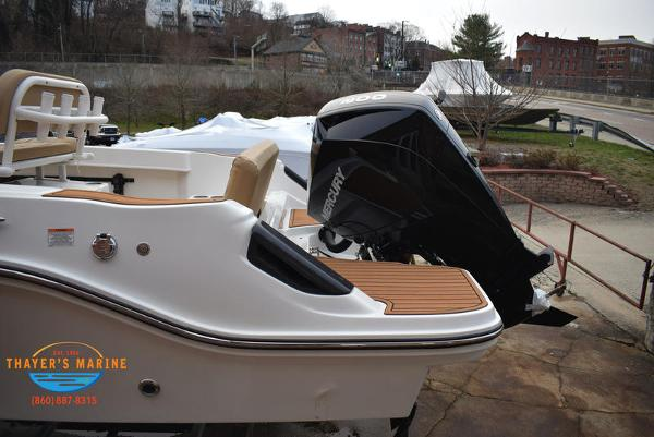 2021 Bayliner boat for sale, model of the boat is T22CX & Image # 5 of 15