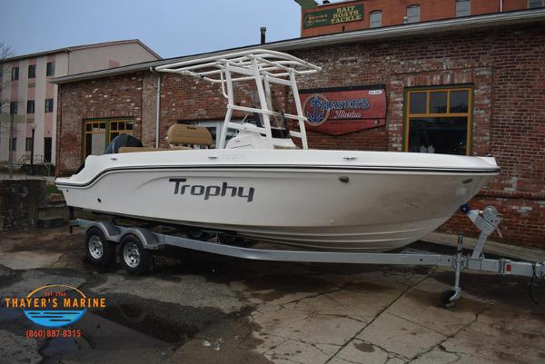 2021 Bayliner boat for sale, model of the boat is T22CX & Image # 12 of 15