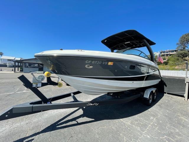 2020 Sea Ray 250 SLX #TB1384BB inventory image at Sun Country Coastal in Newport Beach