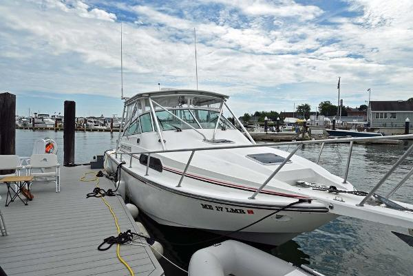 1991 Boston Whaler boat for sale, model of the boat is 31' & Image # 3 of 26