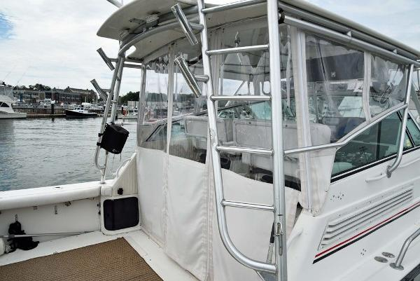 1991 Boston Whaler boat for sale, model of the boat is 31' & Image # 7 of 26