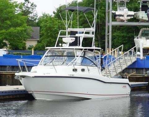 2008 Boston Whaler 305 Conquest