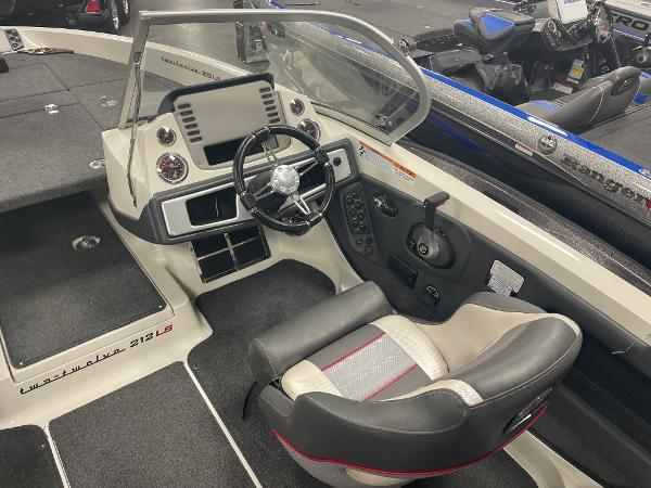 2021 Ranger Boats boat for sale, model of the boat is 212LS & Image # 5 of 8