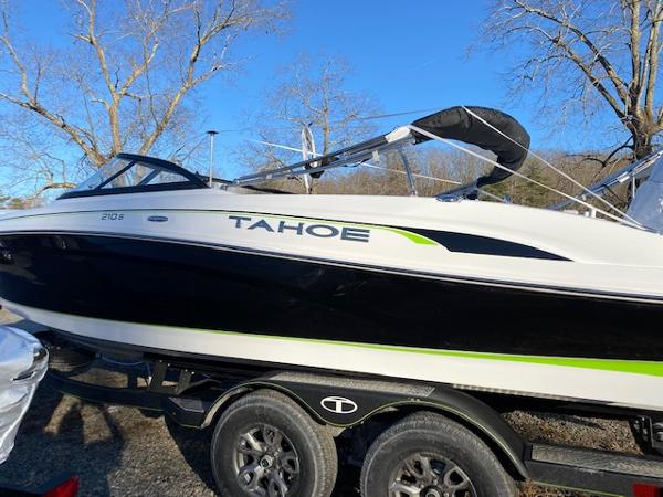 2021 TAHOE 210 S for sale
