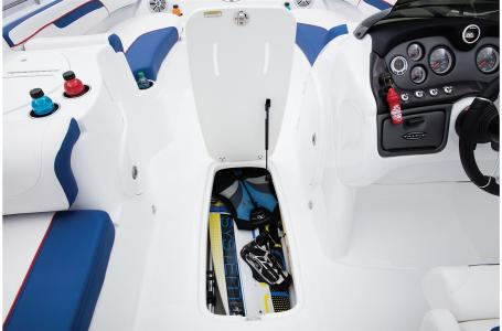 2021 Tahoe boat for sale, model of the boat is 215 Xi & Image # 29 of 36