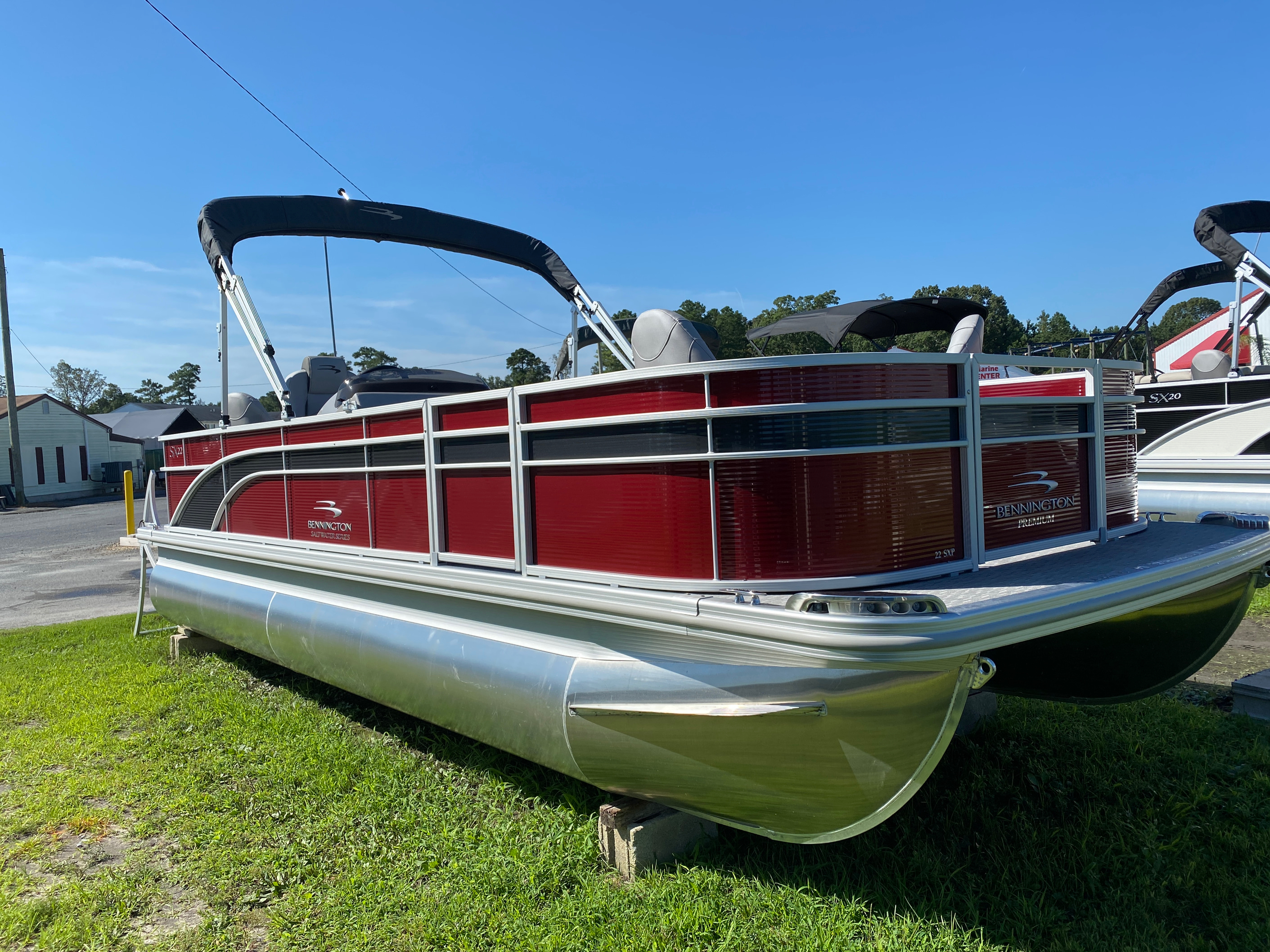 2020 Bennington boat for sale, model of the boat is 22 SFXAPGP - Dual Stern Gates & Image # 1 of 12