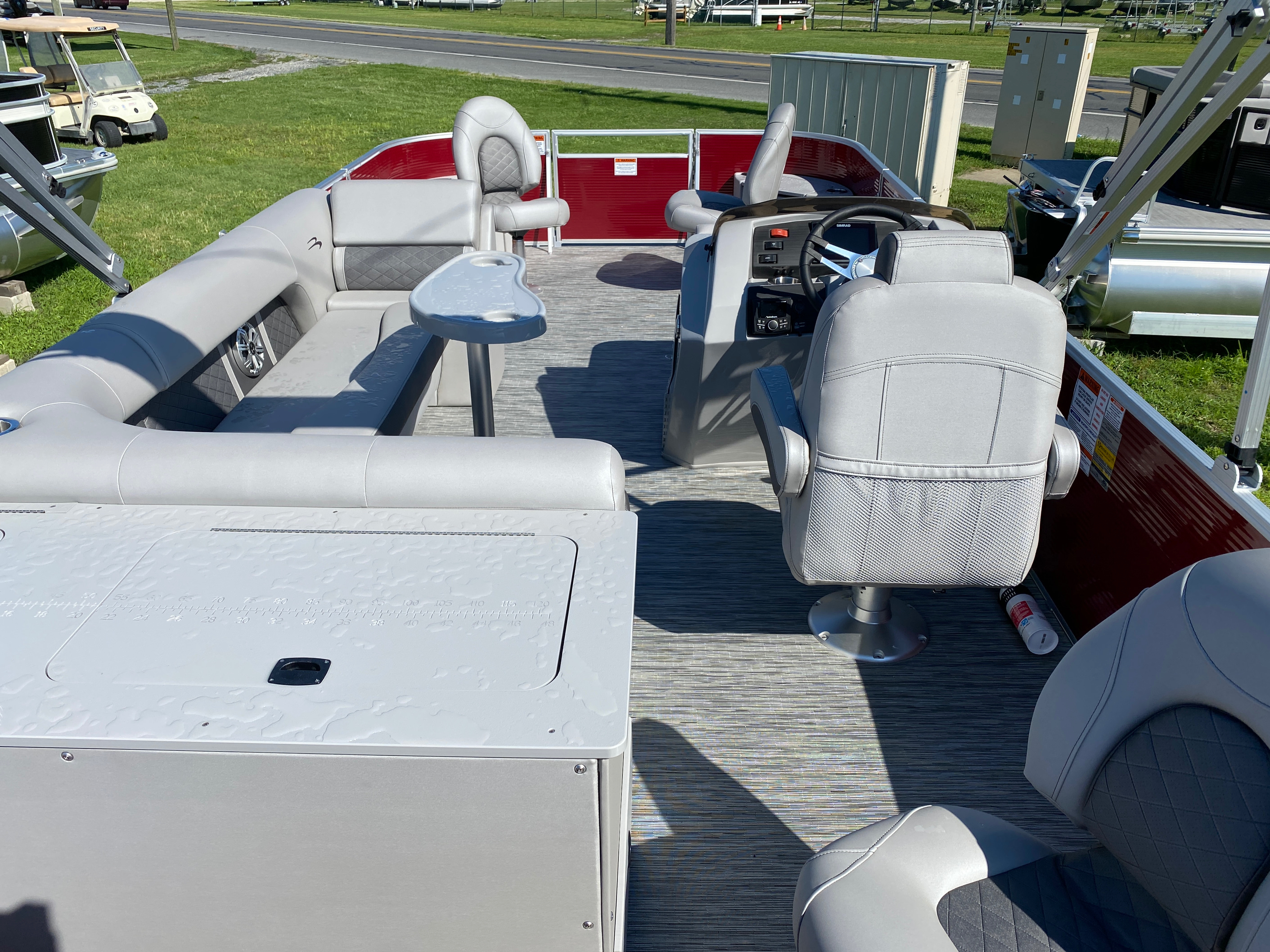 2020 Bennington boat for sale, model of the boat is 22 SFXAPGP - Dual Stern Gates & Image # 2 of 12